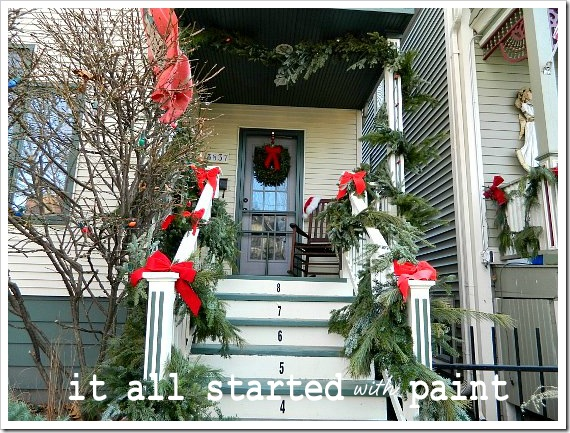 Xmas home entrance 2 (550x413)