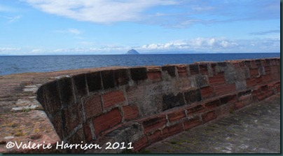 20-harbour-wall-and-Ailsa