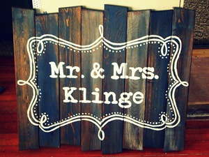 Barn Board Signs {by Sawdust and Embryos