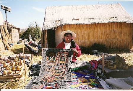 Things to do in Titicaca: Traditional shoping