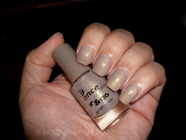 01-essence-irreplaceable-nail-polish