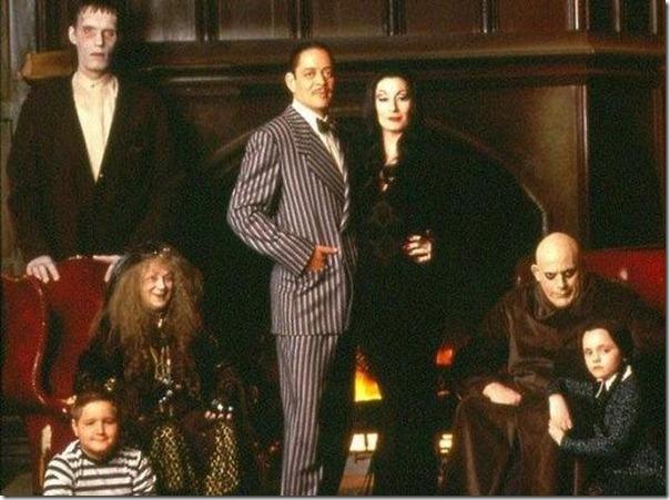 A família Addams antes e agora (17)