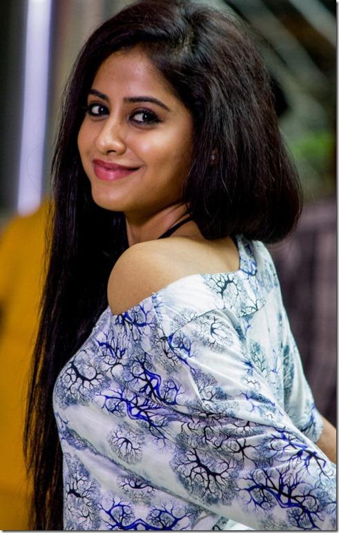 swathi_deekshith_latest_stylish_photos