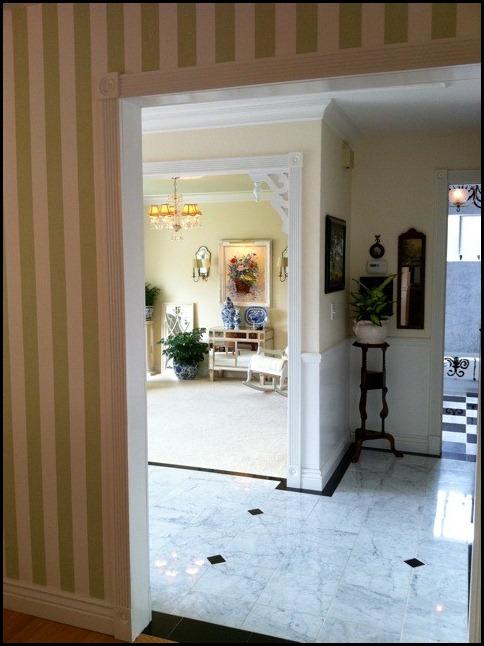 entry (478x640)