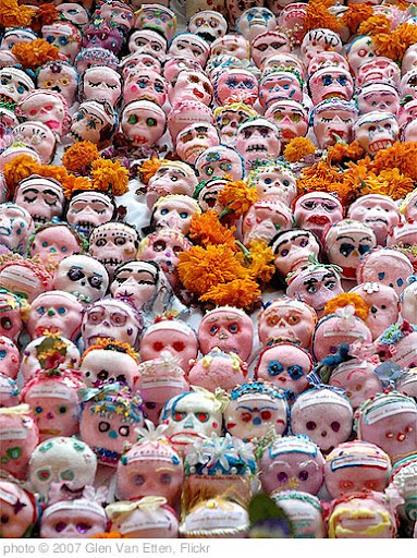 'Dia de los Muertos' photo (c) 2007, Glen Van Etten - license: http://creativecommons.org/licenses/by/2.0/