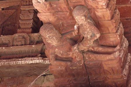 Sculpturi erotice Nepal
