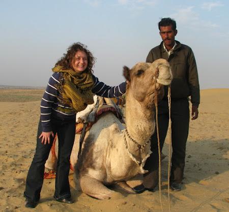 Cu o camila in India