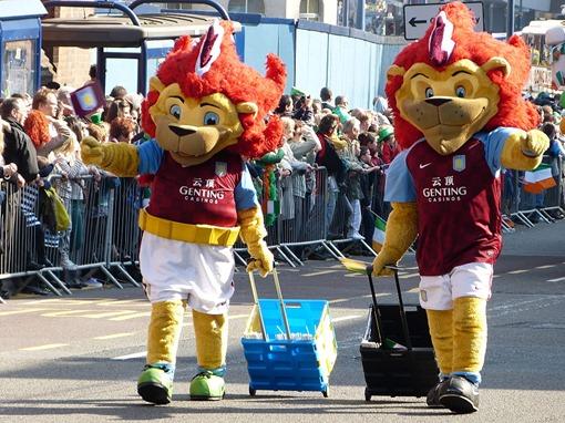 Парад на день святого Патрика в Бирмингеме, Aston Villa
