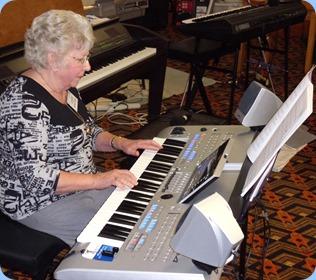 Barbara Powell playing the Yamaha Tyros 4