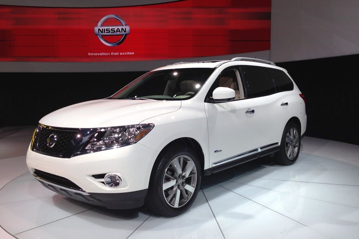 New 2014 nissan pathfinder hybrid burns 24 percent less fuel than 2014 nissan pathfinder hybrid 2 vanachro Image collections