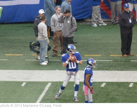 'Eli Manning warms up passing' photo (c) 2012, Marianne O'Leary - license: http://creativecommons.org/licenses/by/2.0/