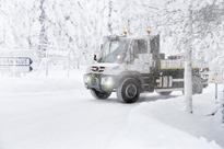 Winter testing at 30 degrees Celsius in the cold Scandinavian winter, still camouflaged: the new Mercedes-Benz Econic, new Unimog extreme off-roader and new Unimog implement carrier on test drives in Rovaniemi, the capital of Lapland