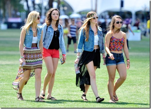 2012 Coachella Music Festival Day 2 epYy6Eop8bMl