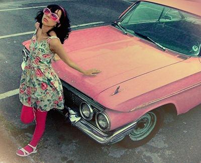 rent-vintage-car_inspiring-romantic-date-ideas