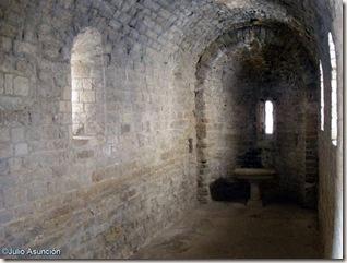 Interior ermita románica - Castillo de Loarre - Huesca