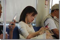 Japanese_girl_keitai