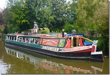 horse boat at kintbury