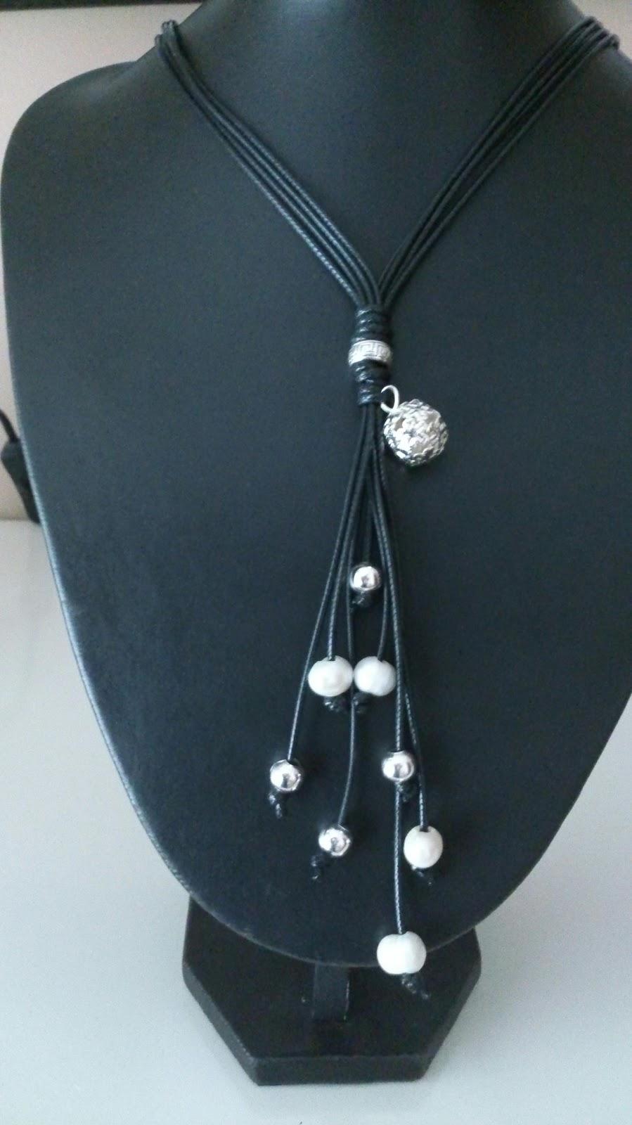 Rosa y celeste collar largo de cuero y perlas - Collares de cuero ...