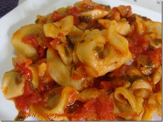 capeleti-com-molho-com-azeitonas-02