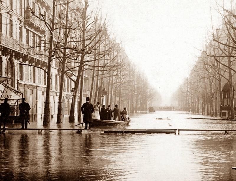 Boulevard_Haussmann_1910