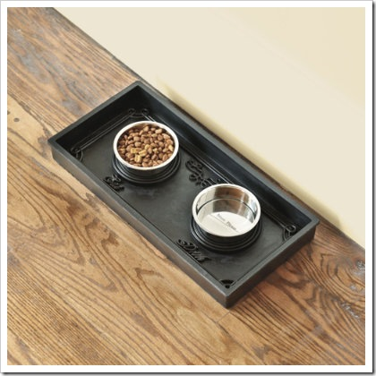 Rubber Pet Food Tray with Metal Bowls