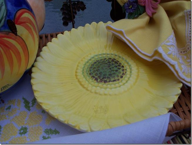 yellow teacup 017