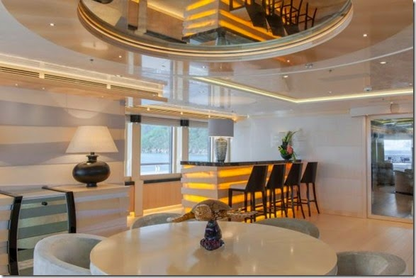 yacht-rental-rich-008