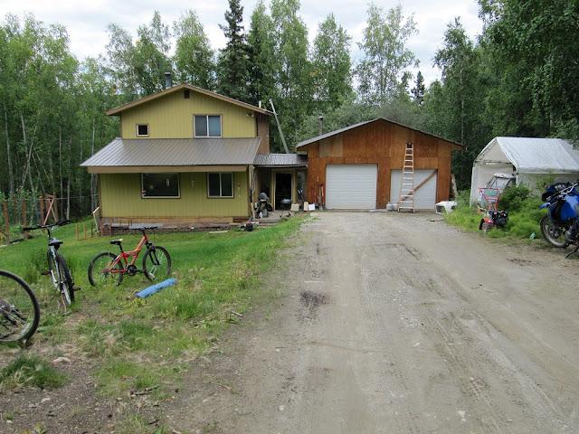 הבית של מארחי באלסקה .JPG