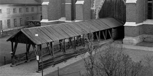 Skyddstak vid entrén till Domkyrkan, 1948