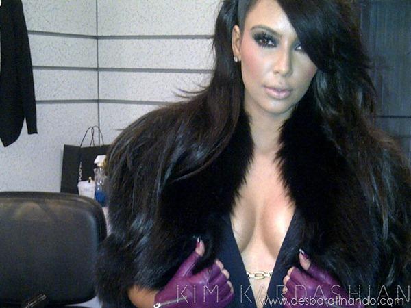 kim-kardashian-linda-sensual-sexy-sedutora-boob-peitos-decote-ass-bunda-gostosa-desbaratinando-sexta-proibida (149)