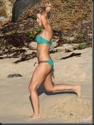 julianne-hough-green-bikini-st-baths-14-675x900