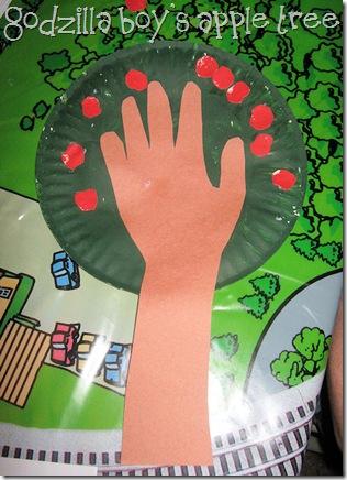 Paper Plate Apple Tree by Godzilla boy