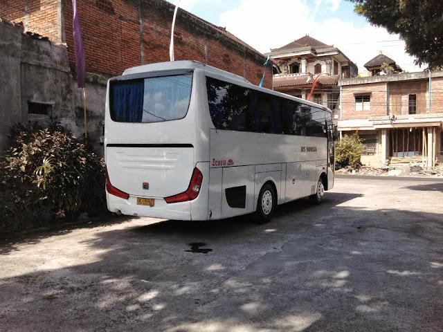 Mengatasi Masalah Ketika Bus Besar Berada di Depan
