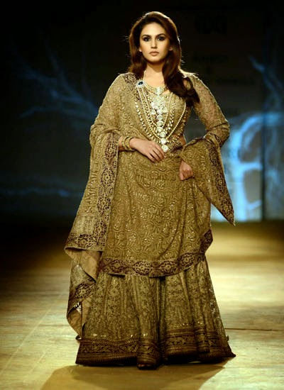 Huma Qureshi Walks The Ramp For Rimple And Harpreet Narula