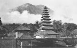 Besakih temple complex and Gunung Agung (unknown photographer, 1935) Courtesy TropenMuseum Archives