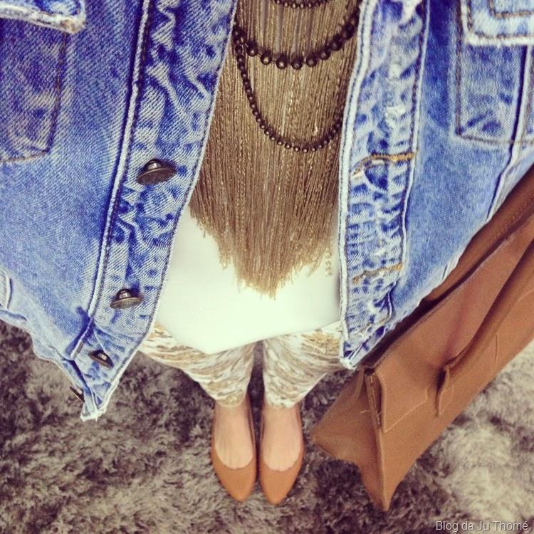 look jaqueta jeans e calça floral (1)