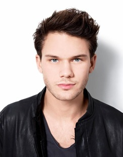 jeremy-irvine-interview-04