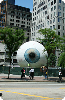 EYE-Sculpture-on-State-Street-Chicago1