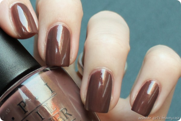 LackeinFarbeundbunt OPI Wooden Shoe Like To Know Swatch (3 von 4)