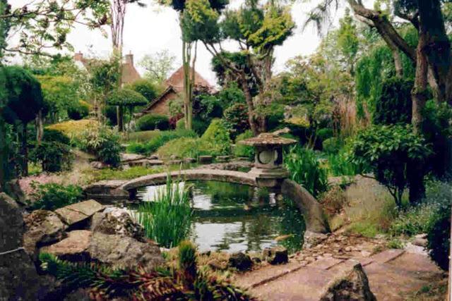 Jasa Tukang Taman Kalimantan taman minimalis jepang