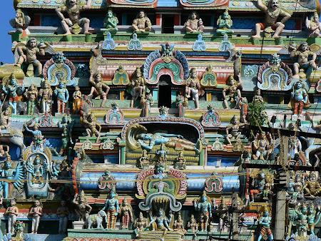 Tamil Nadu: statues of Hindu Gods