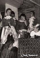 14.10.1978.  Ter gelegenheid van de opening van de nieuwbouw (lokaal groep 1 en 't Trefpunt) voeren de leerlingen een musical op (2)