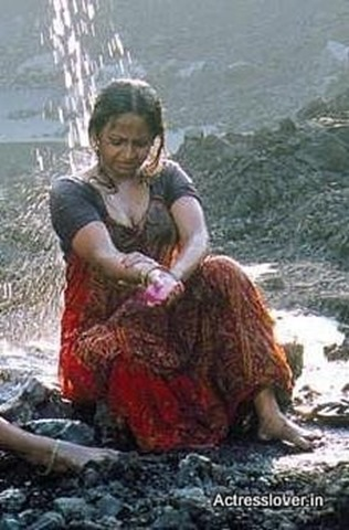 Bengali_actress_Sreelekha_Mitra_Hot_wet_picture (3)