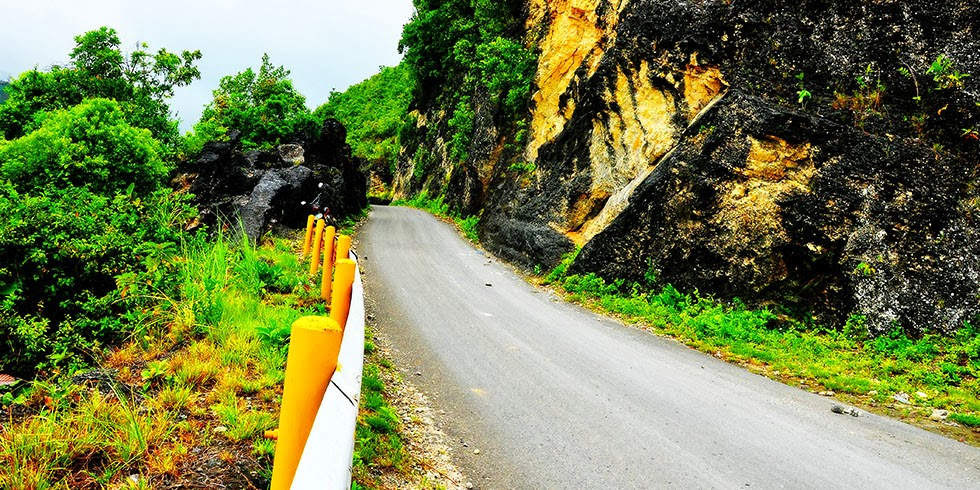 """""""Paling-paling"""" Road"""