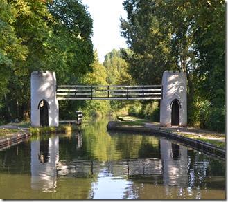 4 drayton manor footbridge