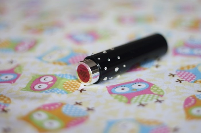 Review Autography Raspberry Swarovski Lipstick (2)