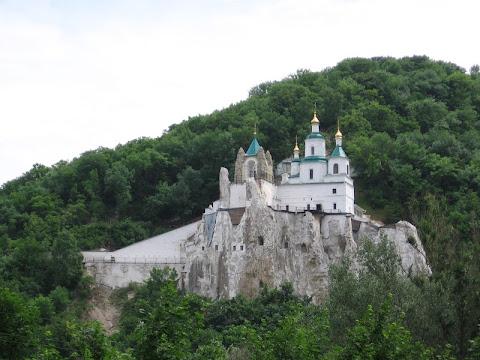 10 цікавих українських храмів