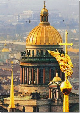 angel-on-the-spire-of-the-ss-peter-and-paul-cathedral