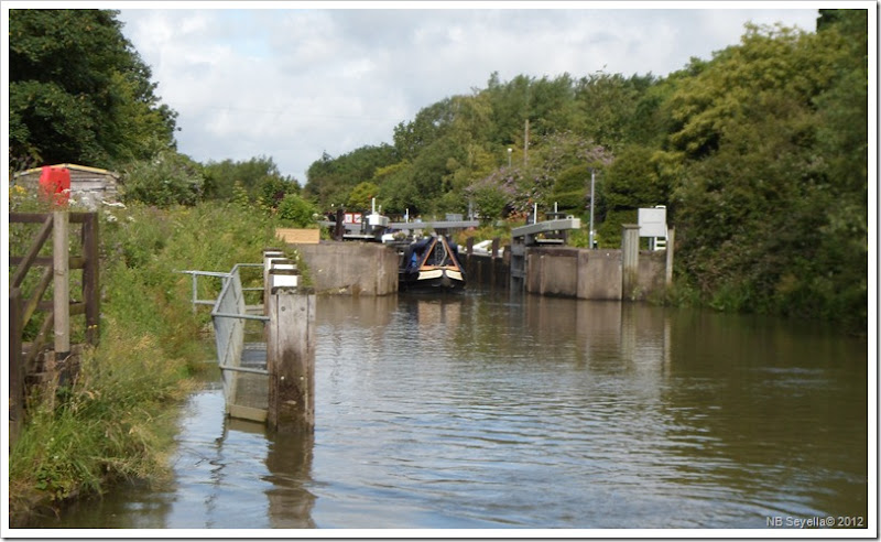 SAM_1536 Radcot Lock