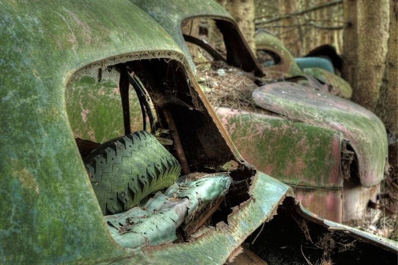 chatillon-car-graveyard-20